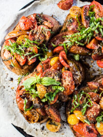 This Easy Warm Bruschetta Dinner is the ultimate weeknight recipe. It'sgrown up version of tomato cheese toasts that everyone will love. | theendlessmeal.com