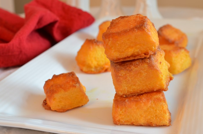 Oven Baked Sharp Cheese Bread Bites