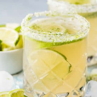 Fizzy Lime Margaritas are bubbly, refreshing, and perfect for afternoon sipping. Make one and relax on the patio or make a pitcher to share with friends. ¡Salud! | vegan + gluten-free + refined sugar free | theendlessmeal.com | #margaritas #mexican #cocktail #refinedsugarfree #cincodemayo