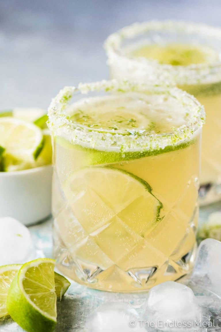 Fizzy Lime Margaritas are bubbly, refreshing, and perfect for afternoon sipping. Make one and relax on the patio or make a pitcher to share with friends.¡Salud! | vegan + gluten-free + refined sugar free | theendlessmeal.com | #margaritas #mexican #cocktail #refinedsugarfree #cincodemayo