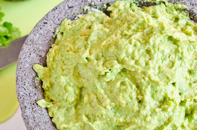 Easy Guacamole Recipe   theendlessmeal.com