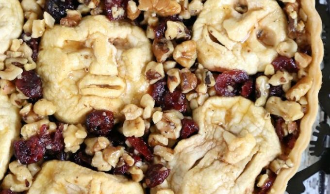 Shrunken Heads Halloween Apple Cranberry Walnut Tart by Mom Foodies | Halloween Dinner Party Menu Inspiration