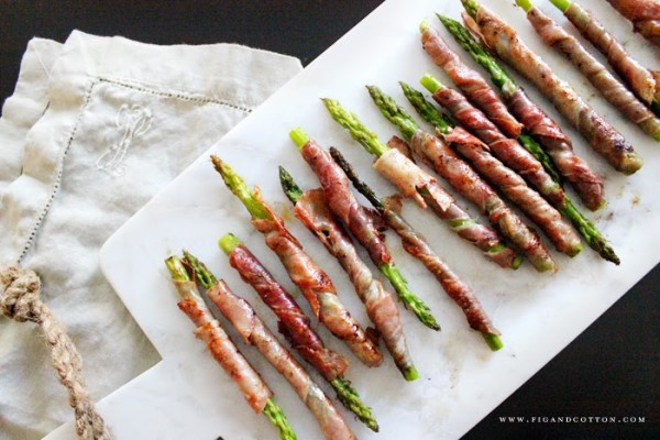 Sunday Supper :: 11.02.14 :: Prosciutto Wrapped Asparagus