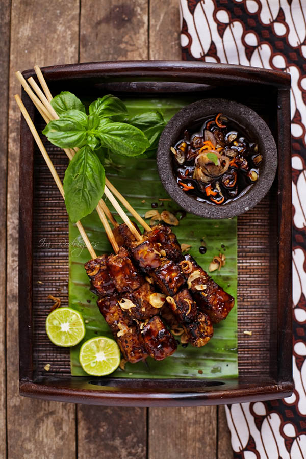 Sunday Supper :: 01.04.15 :: Satay Tempeh with Sweet Spicy Sauce