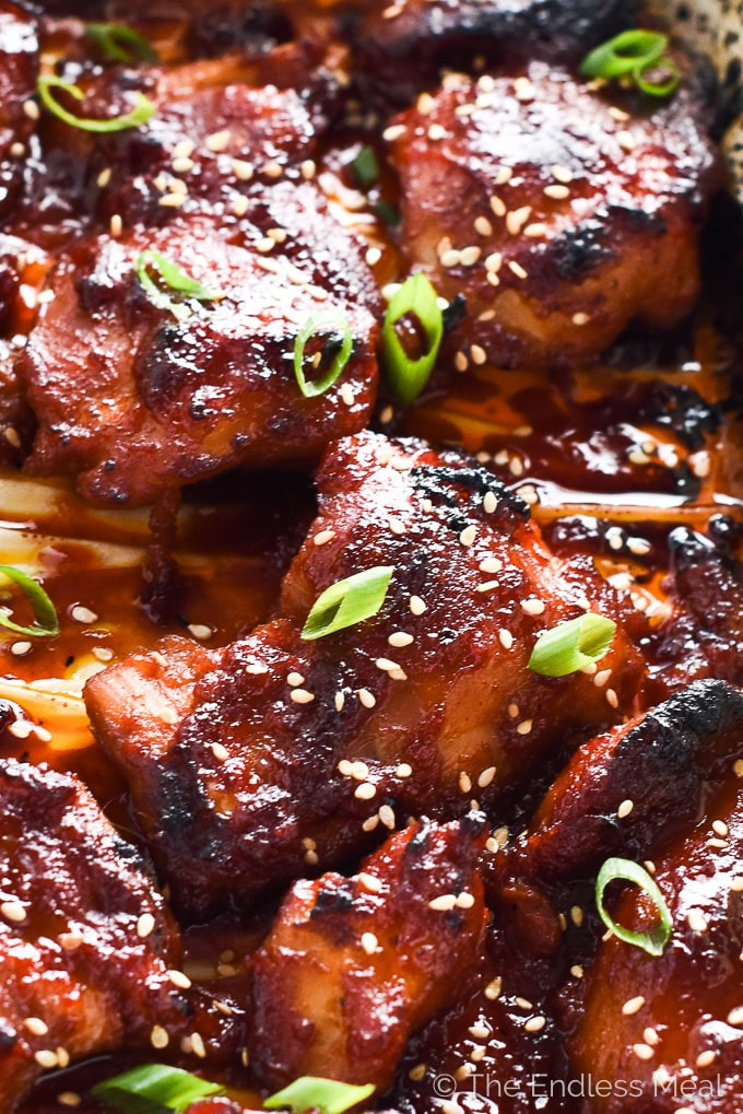 These delicious Korean Paleo Chicken Thighs are marinated in a sweet and smoky chili paste called gochujang and make an easy and healthy weeknight meal. Serve them with a side of low carb cauliflower rice. You will LOVE them! | theendlessmeal.com
