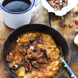 Apple Pumpkin Oatmeal with Maple Pecan Crumble