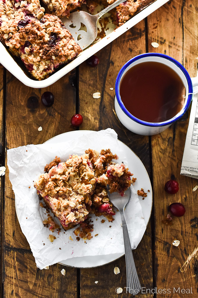 Healthy Cranberry Coffee Cake | This delicious coffee cake is dairy-free and made without refined sugar or flour AND it tastes just like traditional coffee cake! | theendlessmeal.com