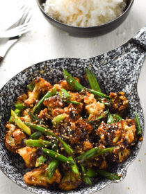 Baked General Tso's Cauliflower   A super easy to make and healthy weeknight meal.   theendlessmeal.com