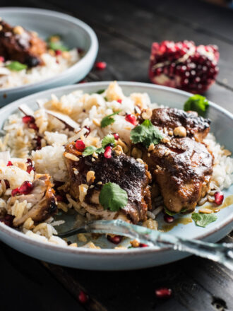 Thai Peanut Pomegranate Chicken is baked in a rich and delicious peanut pomegranate sauce flavored lightly with Thai spices. Serve the chicken with some rice or low-carb cauliflower rice and spoon the creamy sauce over top. It's a healthy dinner recipe everyone will love! | theendlessmeal.com
