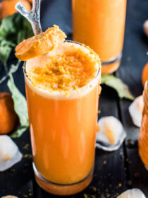 This delicious Orange Ginger Turmeric Smoothie is the perfect winter pick-me-up. It's as tasty as it is healthy. You definitely want to add it to your clean eating January recipe list! | theendlessmeal.com