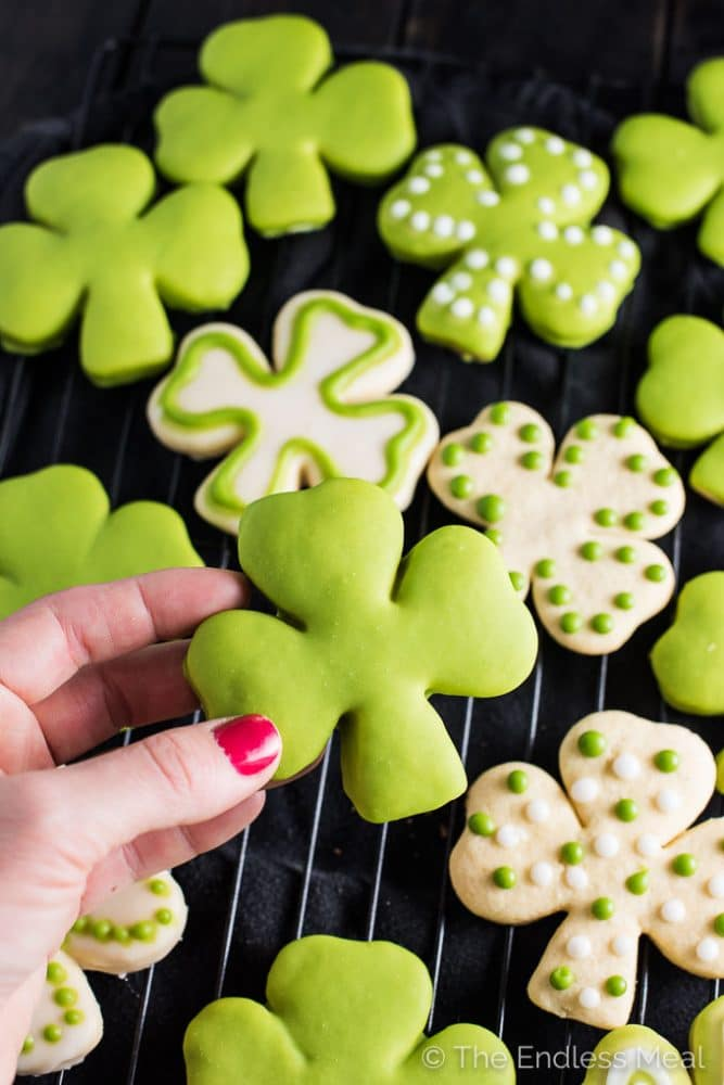 Shamrock Sugar Cookies with All Natural Green Frosting ☘ | The ...