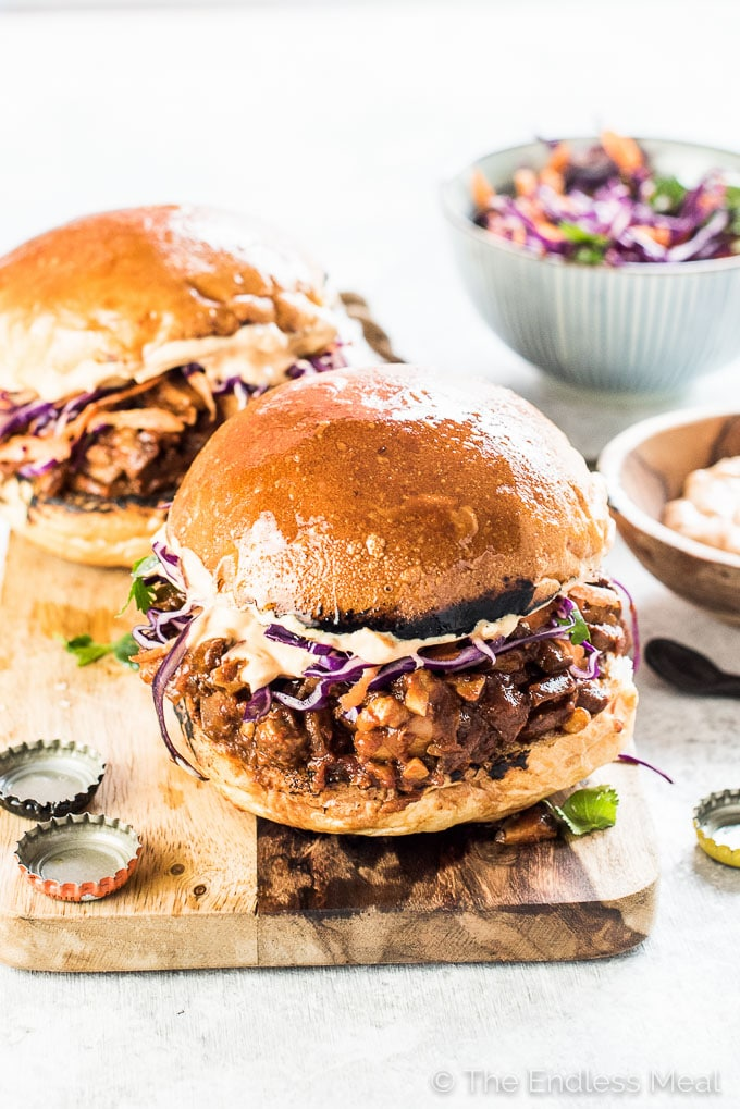 Spicy Chipotle Mushroom Sloppy Joes for the win! This is the ultimate comfort food makeover. I've turned traditional Joes into a healthy and Meatless Monday dinner recipe. Your whole family will LOVE these! Vegetarian + vegan + gluten-free.  | theendlessmeal.com