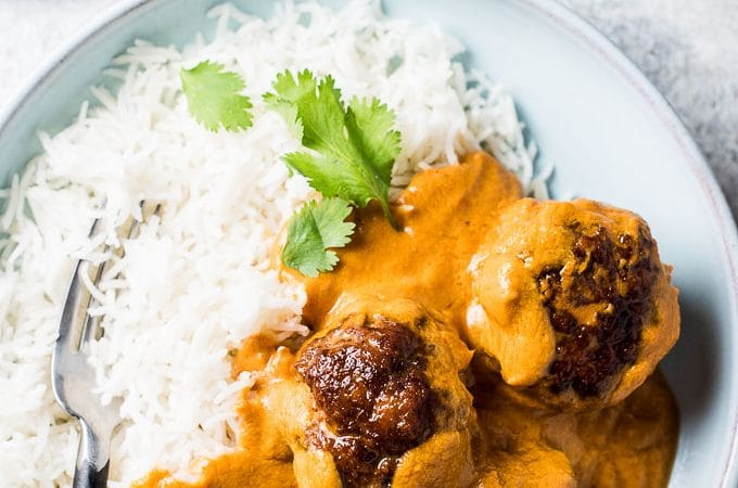This delicious Indian Meatball Curry combines my favorite curry recipe with tender meatballs. It's a healthy and easy to make dinner recipe that is easy to fall in love with. It's also naturally gluten-free + paleo and can easily be made Whole30 compliant.  | theendlessmeal.com
