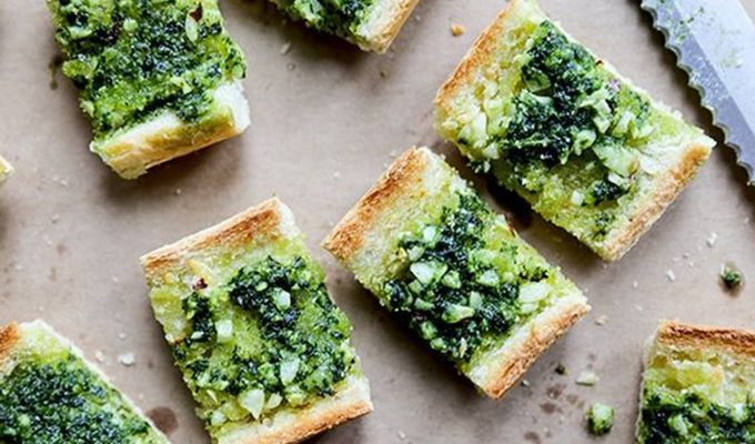 Vegan Garlic Bread with Kale Pesto by Oh My Veggies | The 15 Best Healthier St. Patrick's Day Recipes