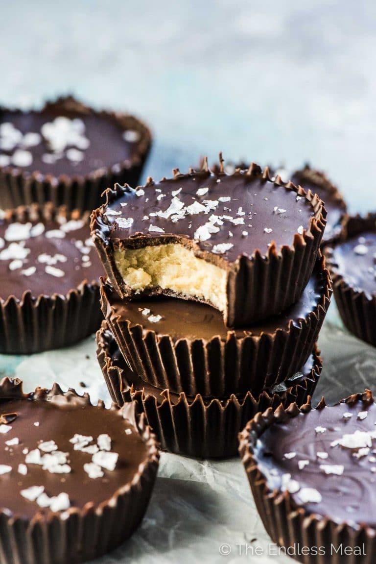 SAVE FOR LATER! | Vanilla Cashew Butter Cups for the big-time healthy dessert win! This delicious spin-off of peanut butter cups are as decadent as the original but filled with only 5 ingredients and they're all good for you. | vegan + paleo + refined sugar-free | #theendlessmeal #cashewbuttercups #peanutbuttercups #almondbuttercups #cashewbutter #paleo #vegan #refinedsugarfree #dessert #snack #healthydessert #vegandessert #paleodessert