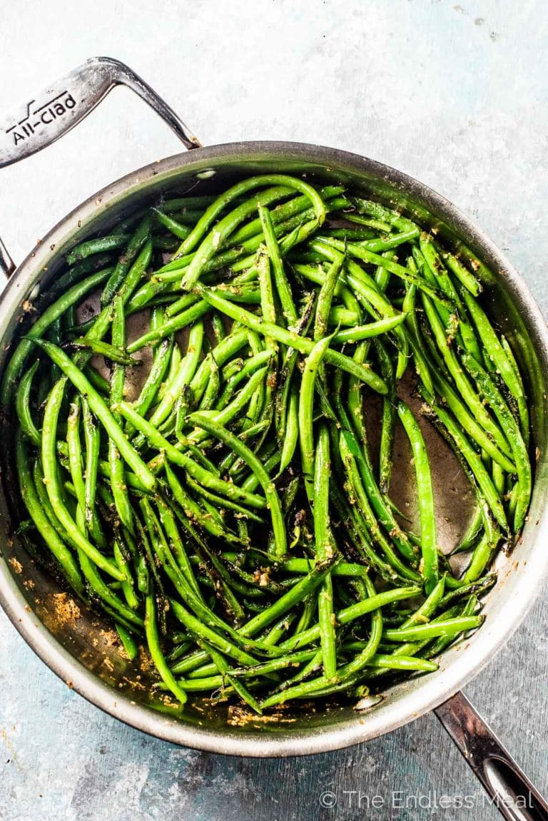 A pan of this sauteed green bean recipe.